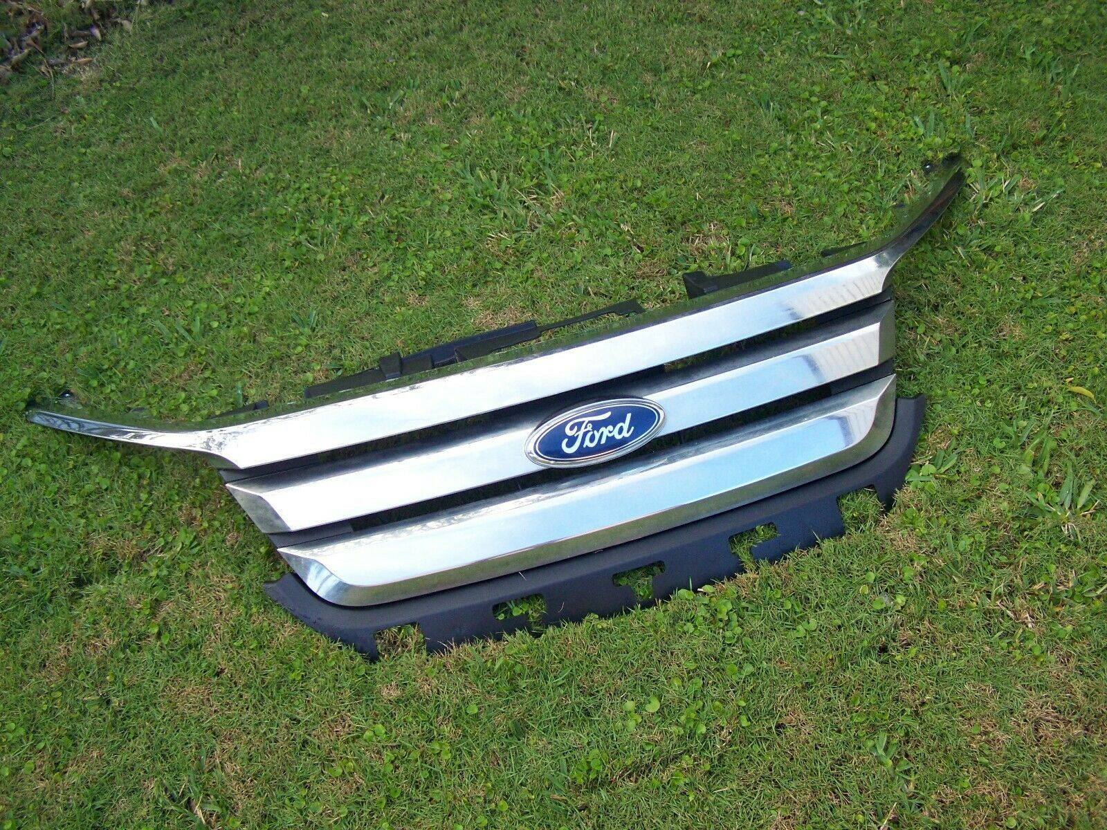 Hood compatible with Ford Fusion 10-12