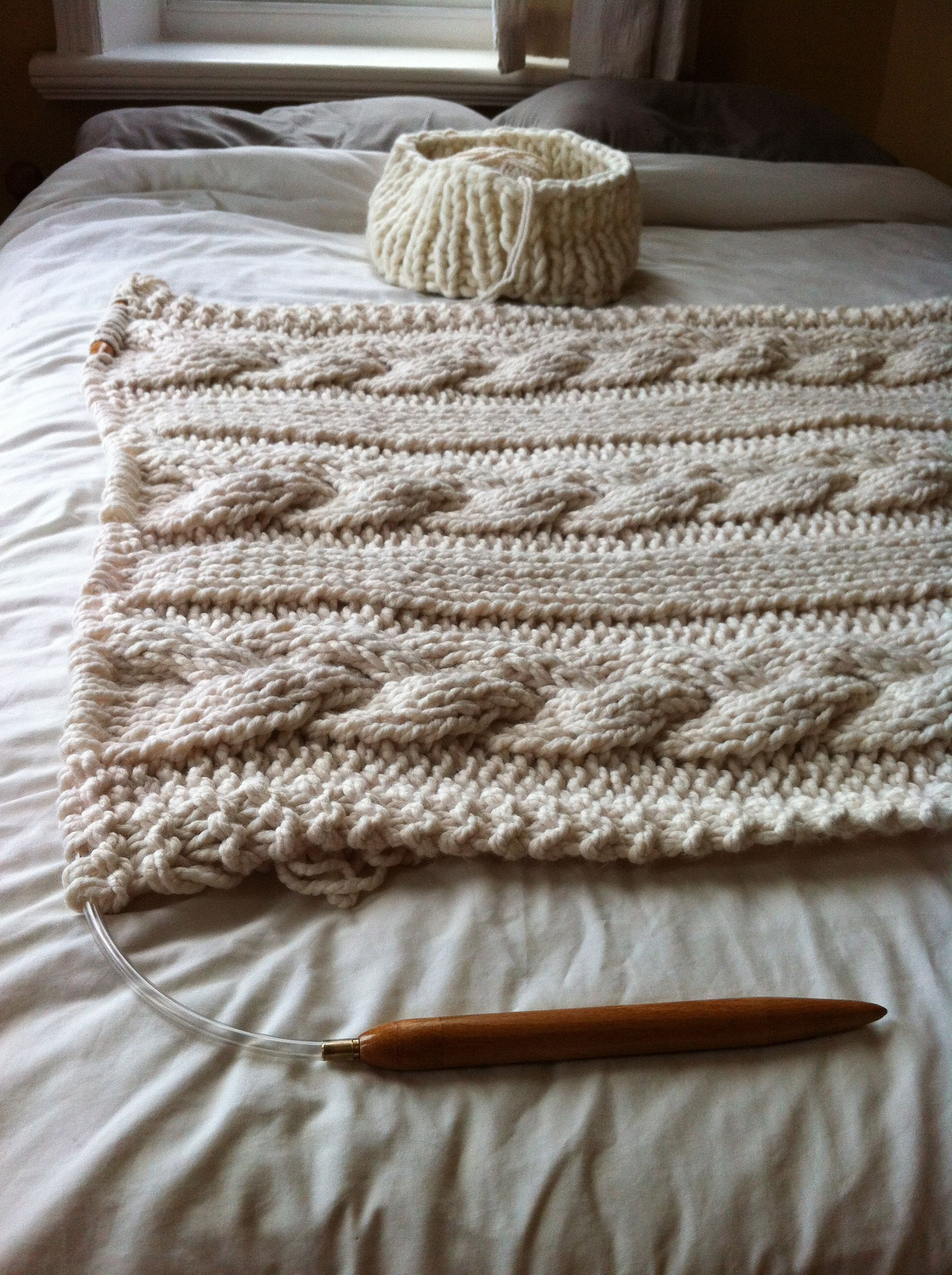 Chunky knit cable afghan | Knitting | Pinterest | Manta y Tejido