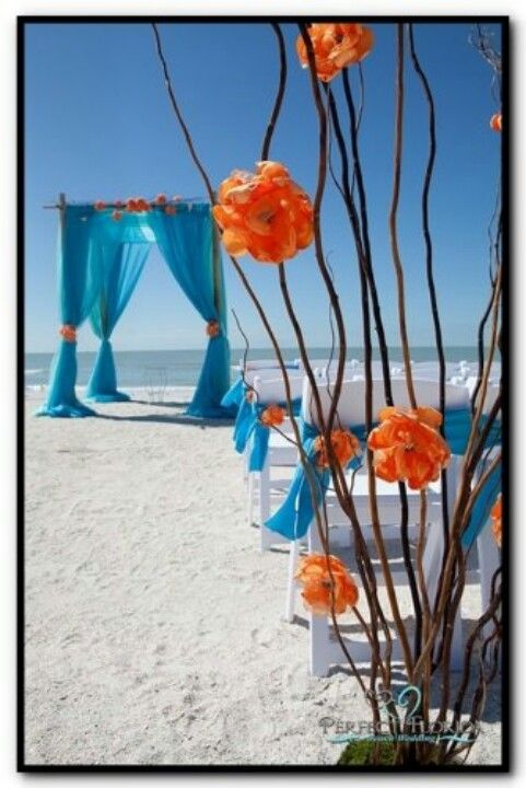 Great and original colors of wedding canopy and aisle! #BeachWedding