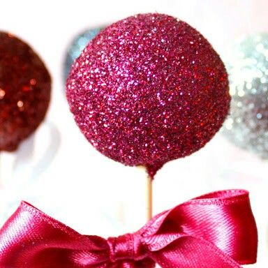 Glitter cake pop