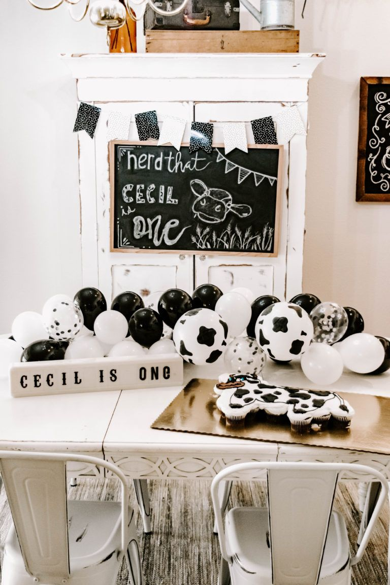 Diy Holy Cow First Birthday Party Decor With Images Cow