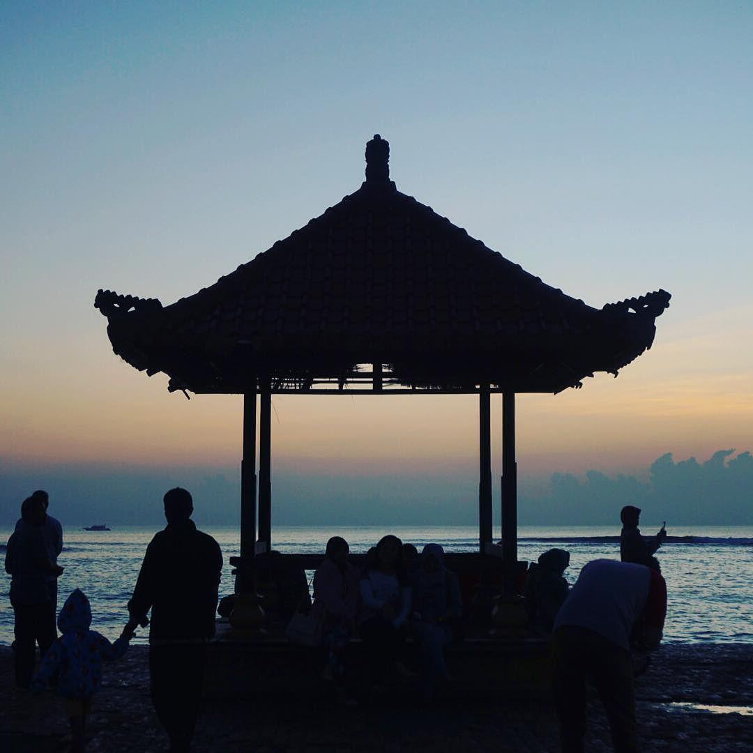 BaleBengong tak hanya tempat ngobrol santai ttg apa saja tapi juga utk menikmati keindahan Bali. Jadi keindahan apa yang ingin Anda kabarkan pagi ini?  #CitizenJournalism #GoodNewsisGoodNews
