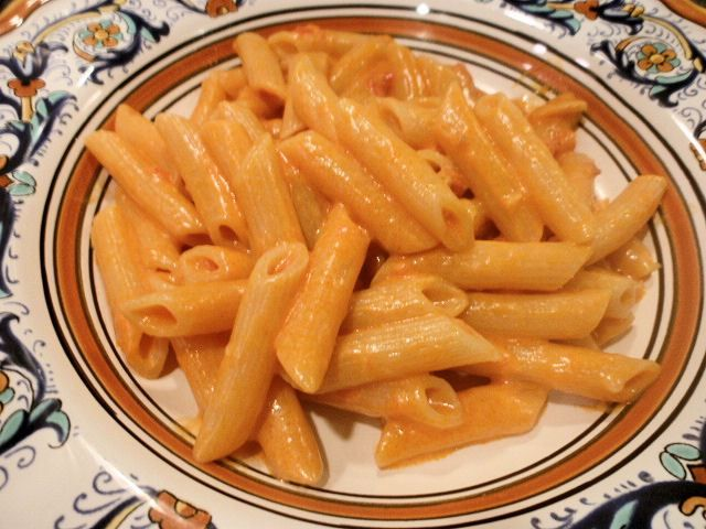 Penne alla vodka (Penna with Vodka Sauce)