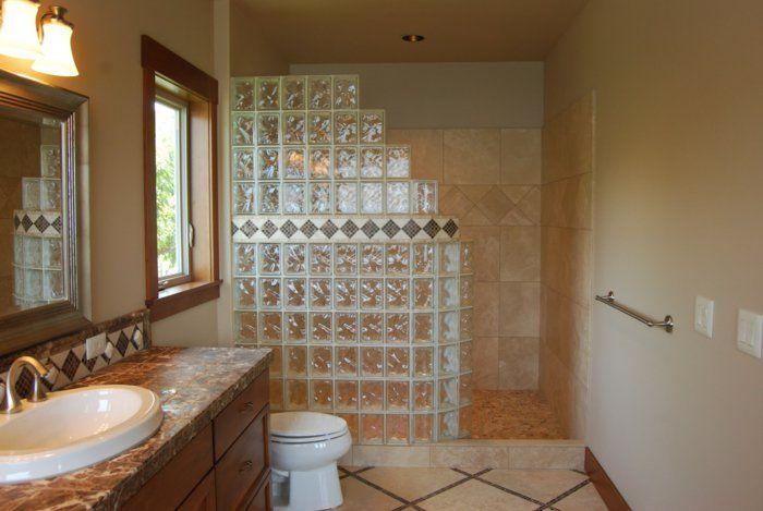 Mettons des briques de verre dans la salle de bains Bath
