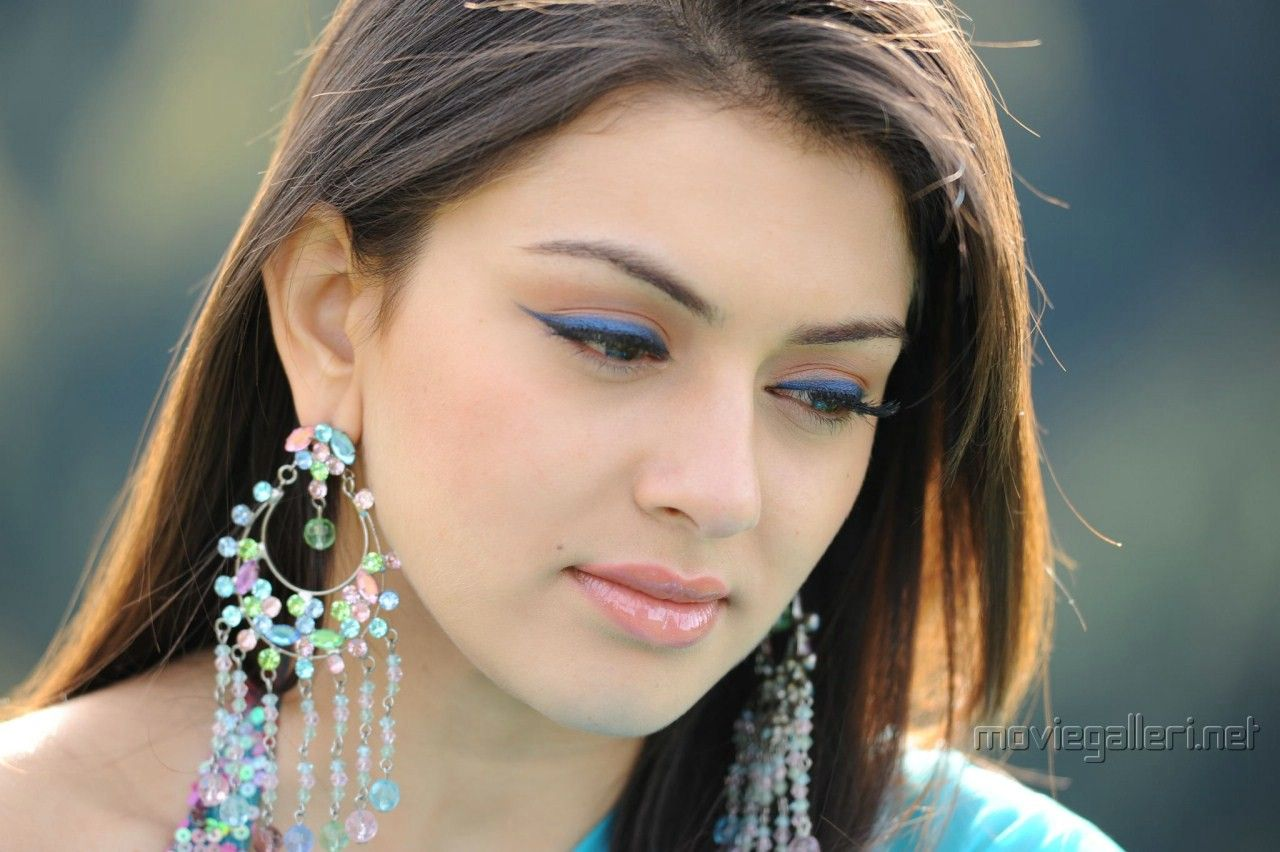 Hansika Motwani Cute Wallpapers Photo Shared By Cletis Fans Share