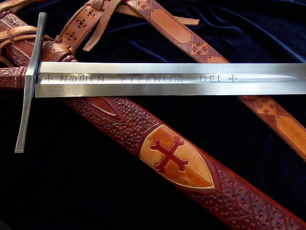 CRUSADER SWORD WITH WOOD EFFECT WEAPON FANCY DRESS ACCESSORY