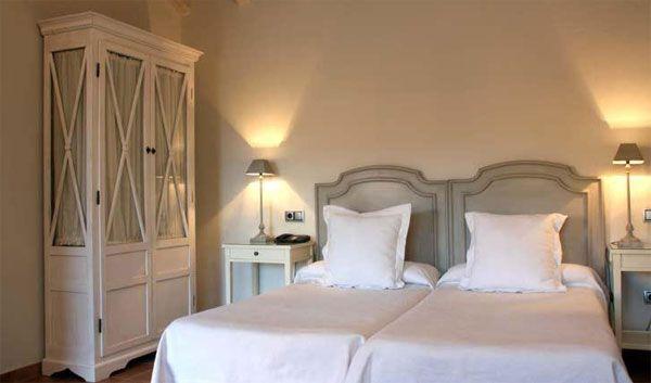 Hotel Con Encanto Hotel Spa Manantial Del Chorro Segovia Decoraciones De Casa Hotel Con Encanto Habitación Acogedora