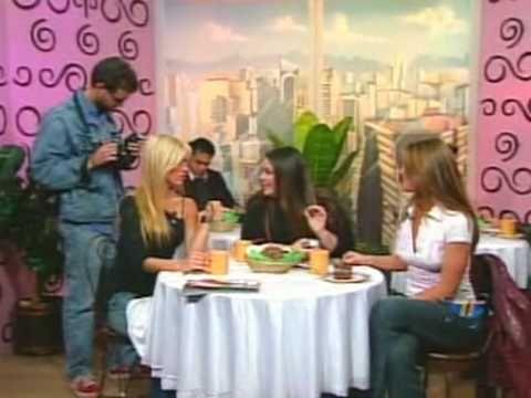 Chicas VIP y la entrevista. Desde Gayola