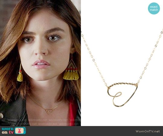 Aria's heart necklace on Pretty Little Liars.  Outfit Details: https://wornontv.net/70419/ #PLL