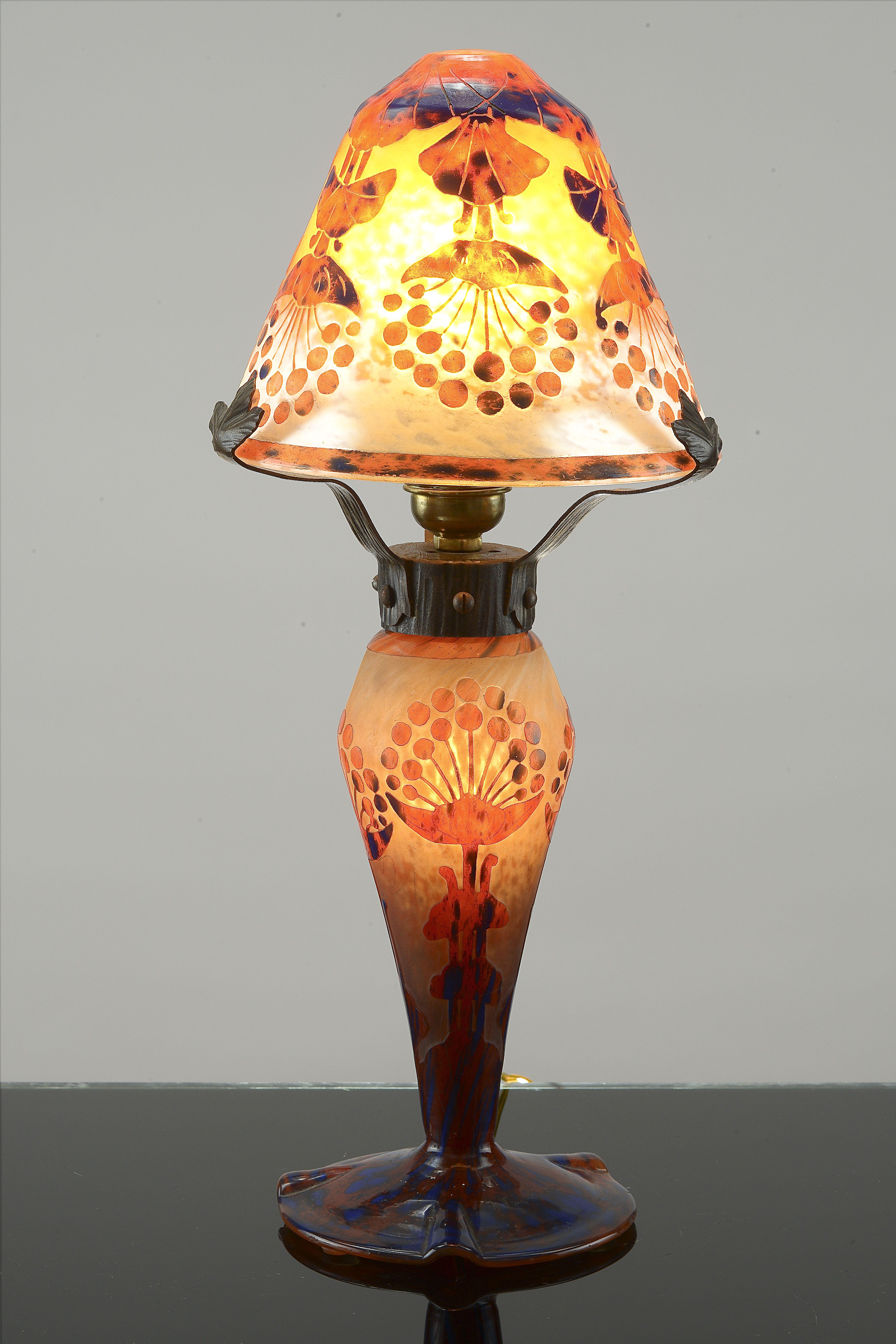 """A mushroom-shaped lamp Verreries Schneider Epinay-sur-Seine, France Le Verre Français production """"Ombelles"""" motif 1924-1927"""