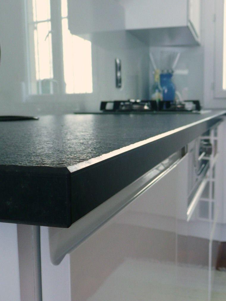 Granit noir zimbabwe notre fiche pratique granit noir Granit pour plan de travail