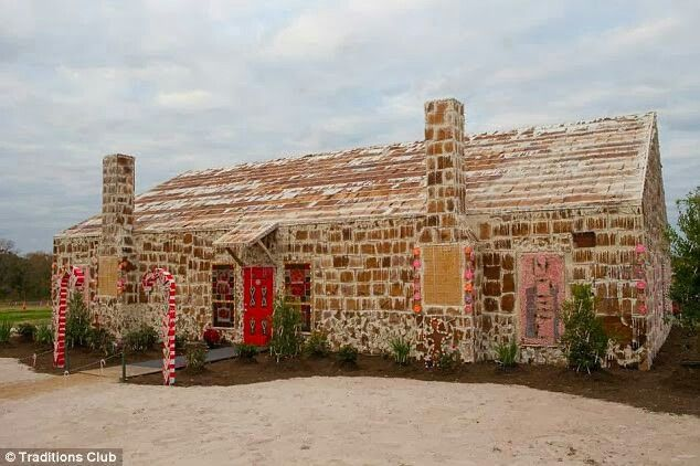 World's biggest gingerbread house #wow #dailymail