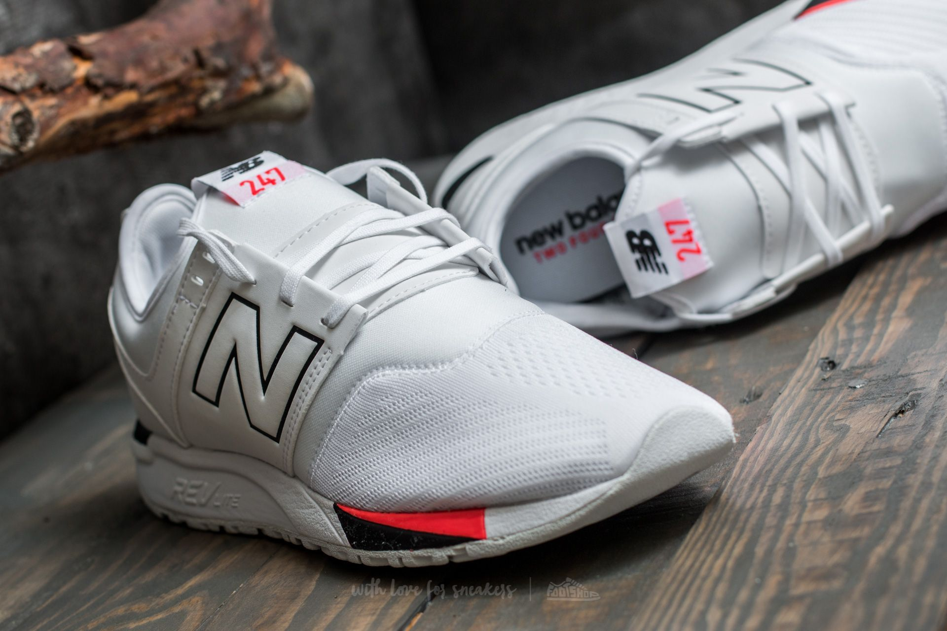 New Balance 247 White at a great price 85 € buy at Footshop