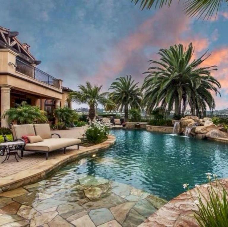 15 Modern Mediterranean Backyard Makeover On A Budget #backyardmakeover