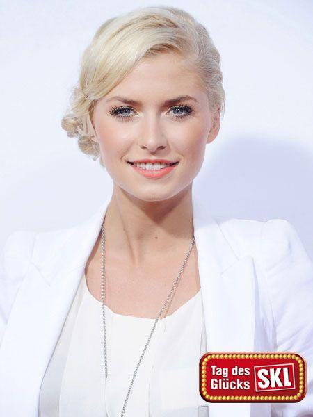 """Lena Gercke ist nicht nur """"Supertalent""""-Jurorin, sie kommt auch bei der SKL-Millionen-Show als Glückspatin zum Einsatz. Gemeinsam mit drei"""