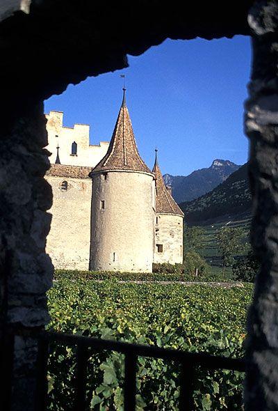 File:Chateau d' Aigle, Suisse