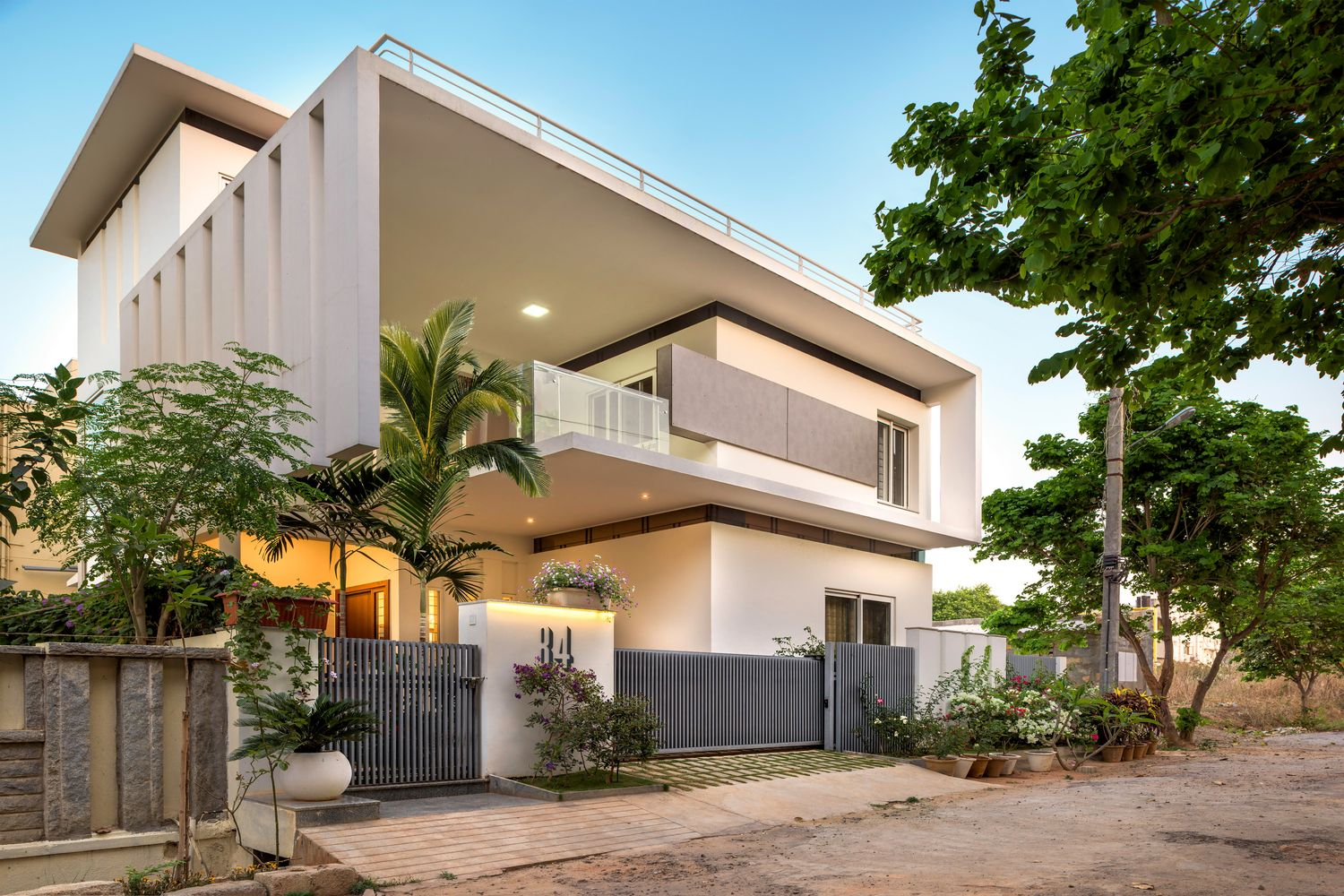Gallery Of Tree Hugger 4site Architects 1 Architect Modern Exterior House Designs Kerala House Design