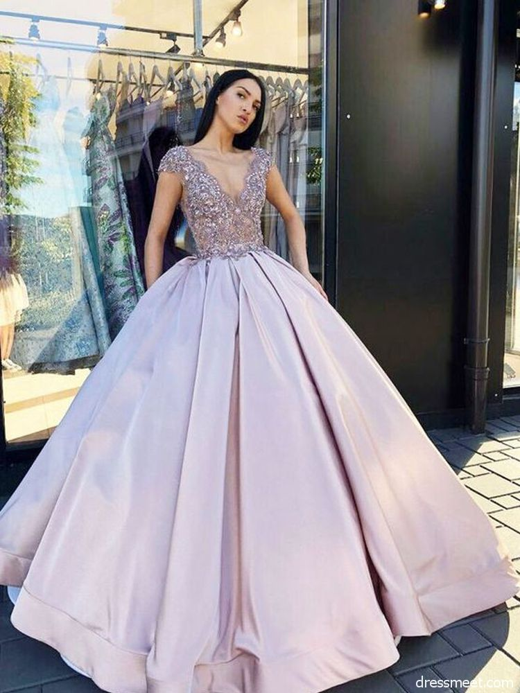 Charming Ball Gown V Neck Backless Lavender Long Prom Dresses with Beading c7fe47fed991
