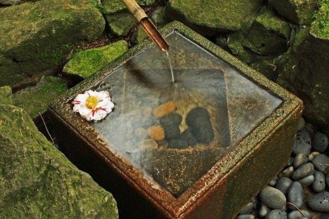 Idée déco pour le jardin optez pour une fontaine en bambou - Jardin Japonais Chez Soi