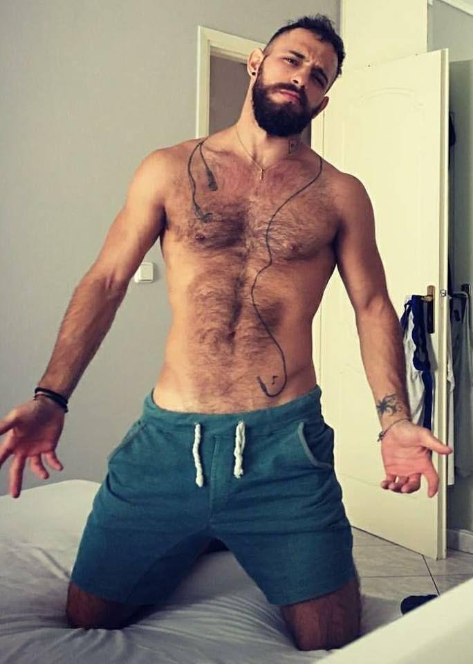 pingl par milo sur woof pinterest homme poilu les poils et beaux hommes. Black Bedroom Furniture Sets. Home Design Ideas