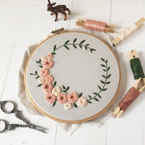 Flourishing Crown digital hand-embroidery pattern, beginner friendly #embroidery