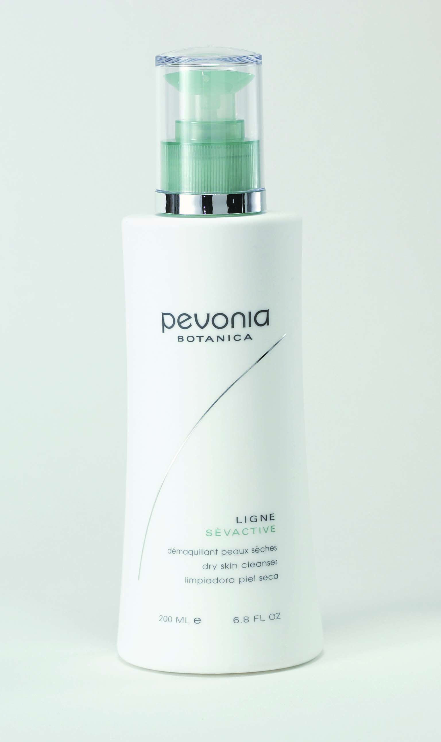 This cleanser is formulated to lift off skin impurities