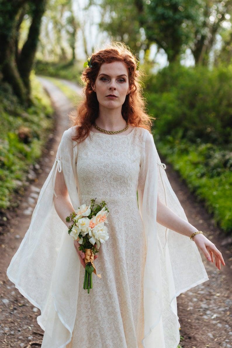 Beltaine, Handfasting, Wedding Dress fairytale, Hand