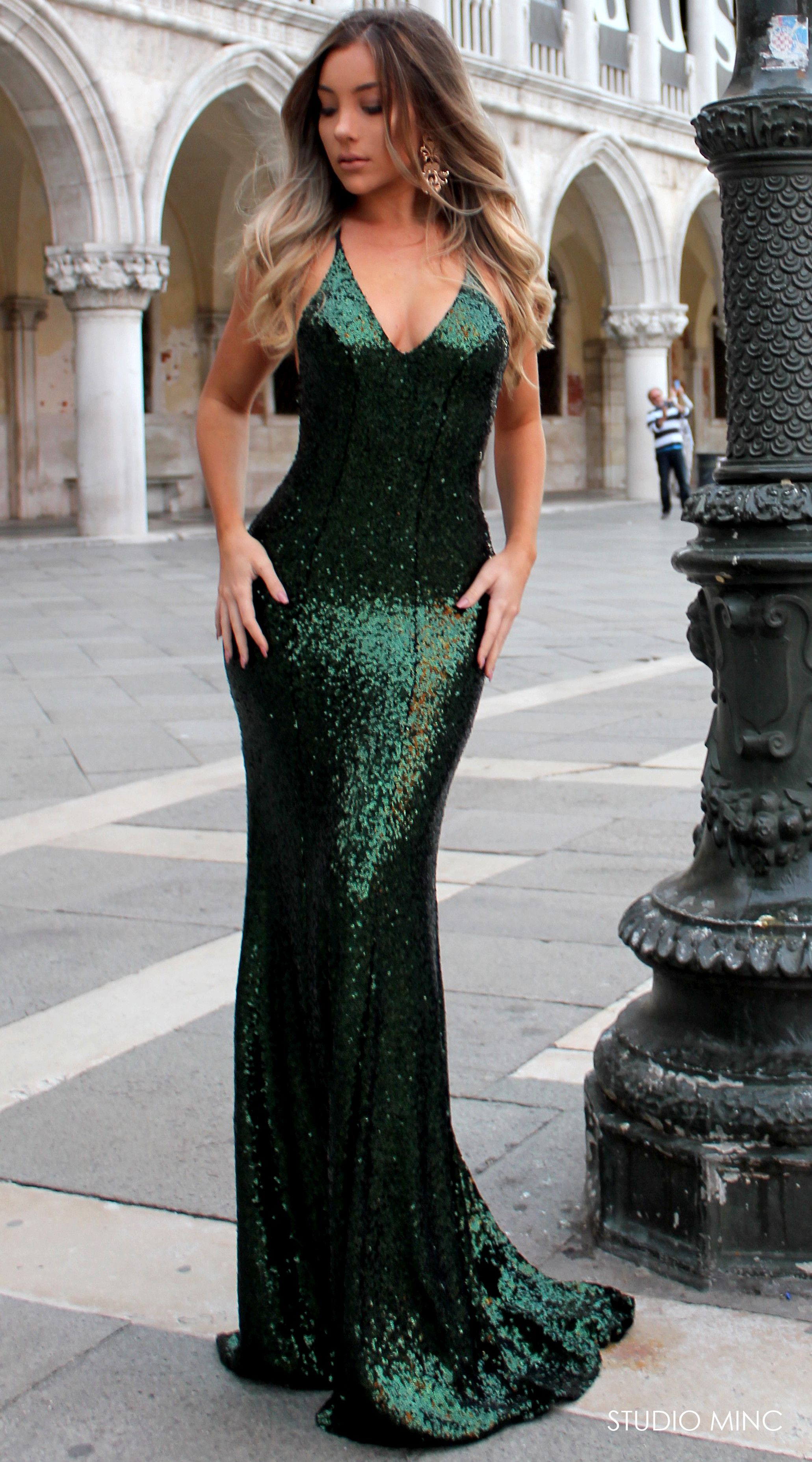EMERALD GODDESS BACKLESS FORMAL DRESS BY STUDIO MINC  GREEN  EMERALD  SEQUIN   PROM  FORMAL  DRESS 132fe58853d9