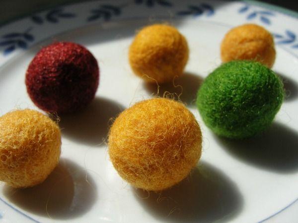 How to Make Felt Balls : Simple DIY #feltedwoolcrafts