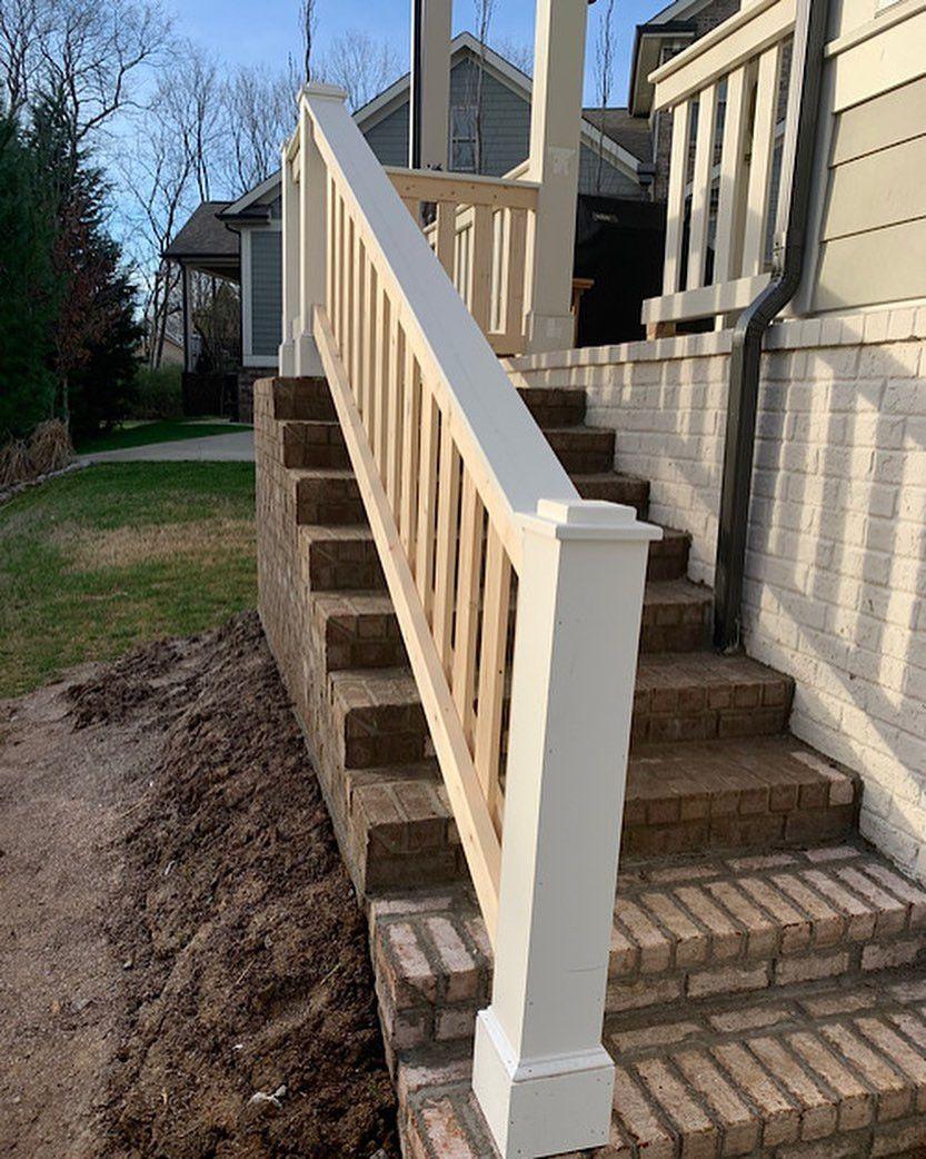 40 Porch Railing Ideas You Can Build Yourself In 2020 Farmhouse Front Porches Porch Handrails Porch