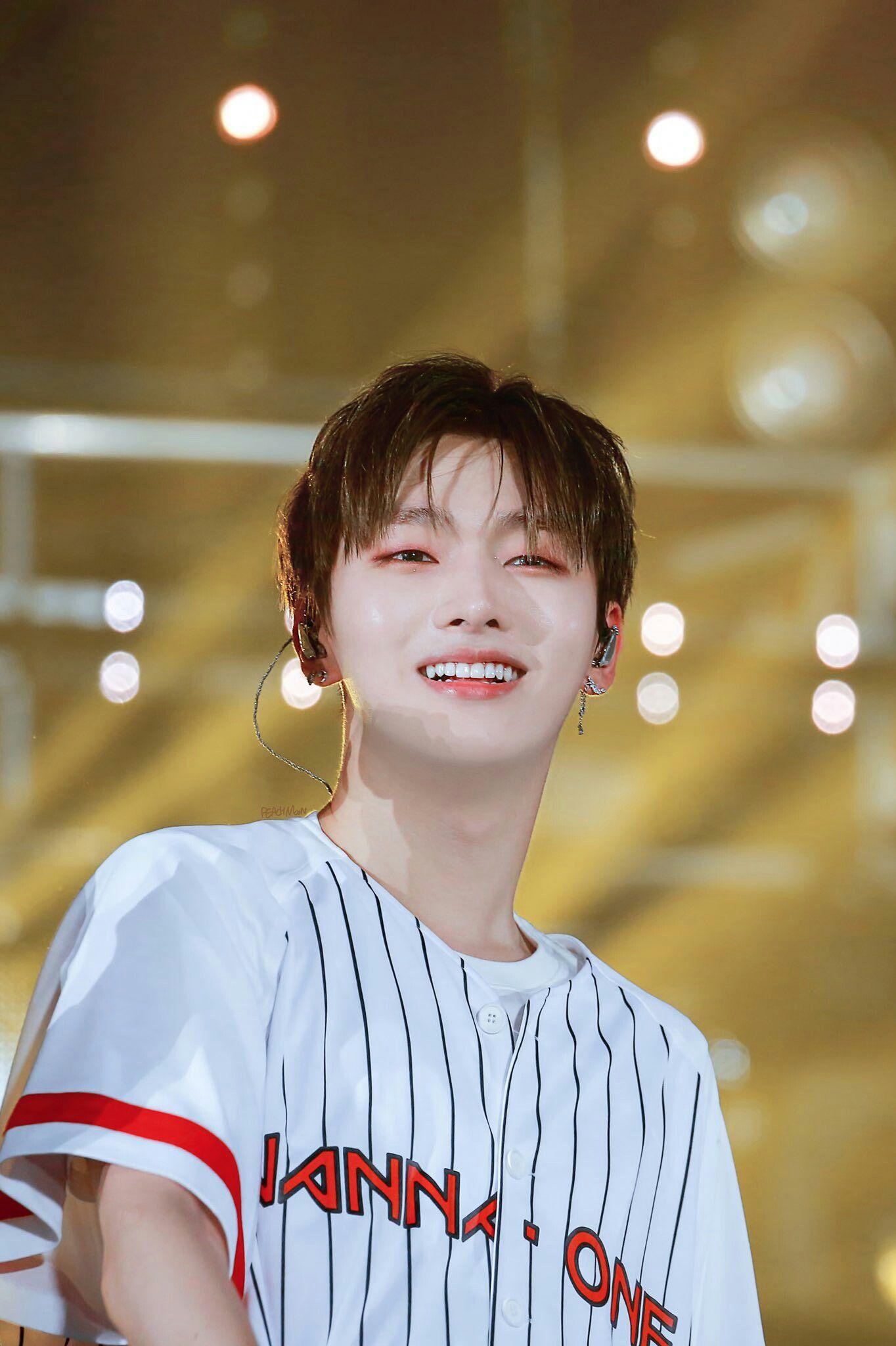 61 Yoon JiSung ý tưởng | muối, yêu anh, người hâm mộ