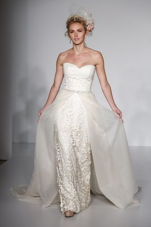 Wedding Dresses With Overskirts 9 Ways To Get Sophia Vergara S Day Look Sweetheart Sheath Laser Cut Dress Tulle Overskirt Gown By