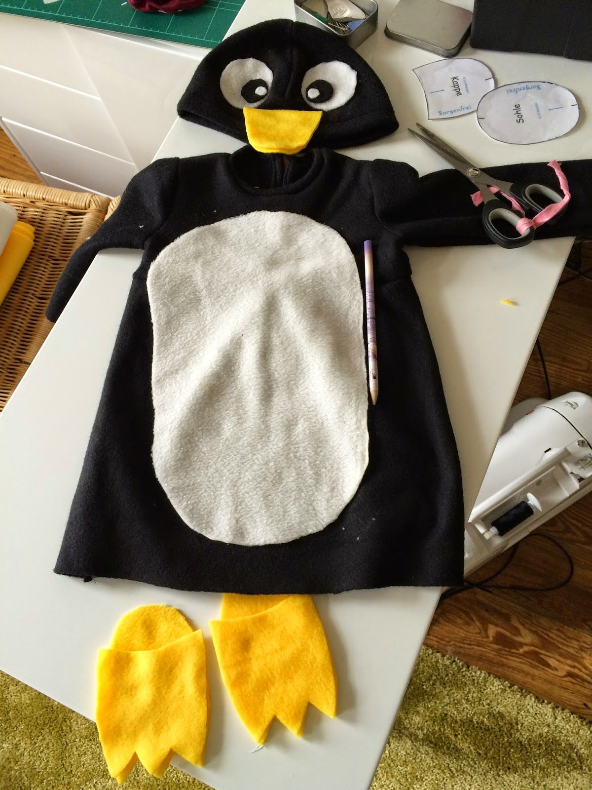 Pingouin Mary Poppins Pinguin Kostüm Selber Machen Penguin Pinguin Costume Penguin