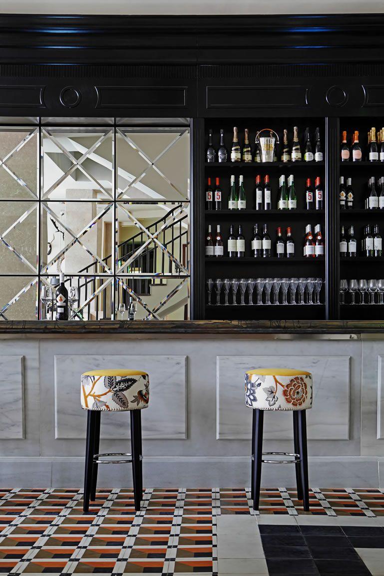 Hispania Restaurant In London By Spanish Designer Lorenzo Castillo Bar Design Restaurant Hotel Bar Bar Furniture