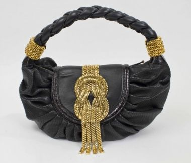 Lara Bohinc    Pandora item number: S07461-114    Pandora Price: £499