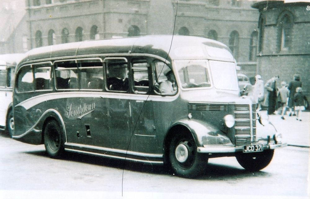 Bus Photo Photograph Of A Southdown Bedford Ob Classic Coach On A