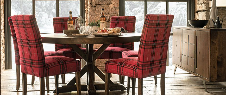 Going For A Rustic Lodge Look Canadel Offers Distressed Wood And Stunning Kitchen And Dining Room Tables Decorating Inspiration