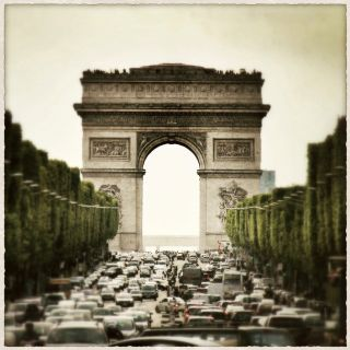 Arc de Triomphe de l'Étoile. Her interest in culture and history was also in great monuments, which carried significance for her.