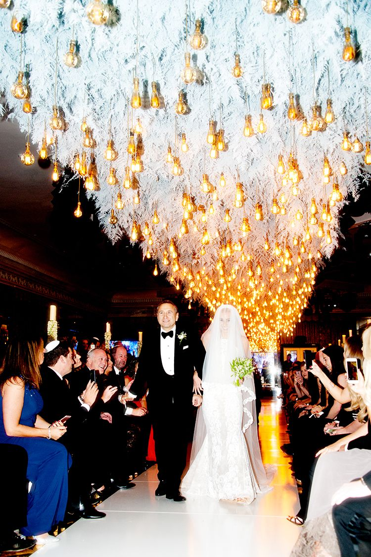 A Galia Lahav Bride For A Super Luxe Jewish Wedding With An Epic Chuppah At The Dorchester London Uk Smashing The Glass Jewish Wedding Blog Wedding Songs Wedding Ceremony