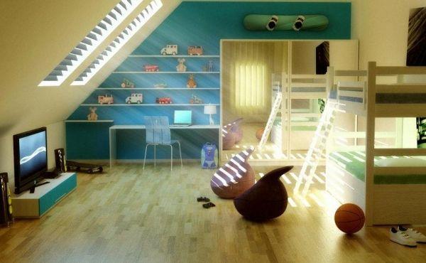 Unique kinderzimmer mit dachschr ge etagenbetten regale schr ge