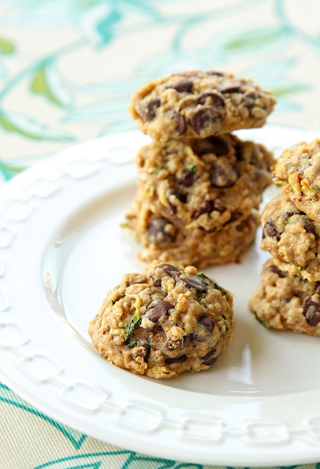 Zucchini Oatmeal Chocolate Chip Cookie Recipe -  via @kitchenmagpie