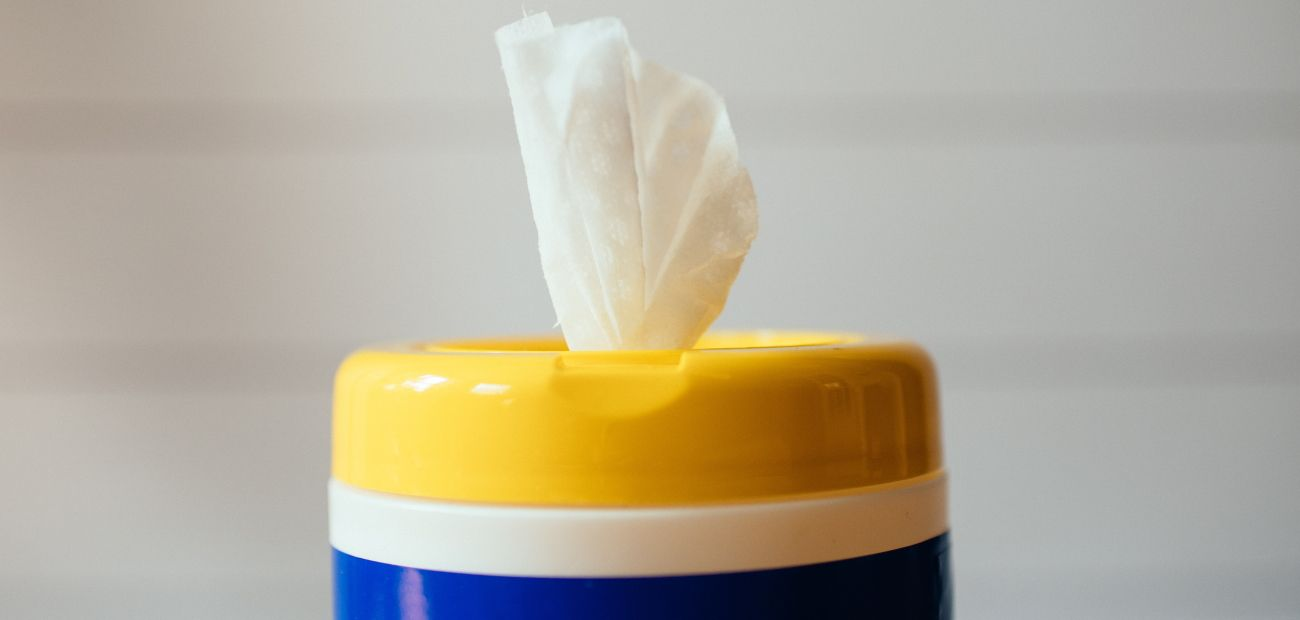 """Did you know that Clorox wipes recommend """"using enough wipes for the treated surface to remain visibly wet for four minutes?!?!""""  #VeenstraTeam #eXpRealtyProud #CoronaVirus #COVID-19 #KeepItClean"""