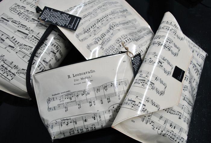 Musiikkia silmille - Rento Designin vanhasta nuottikirjasta tehtyjä tuotteita.