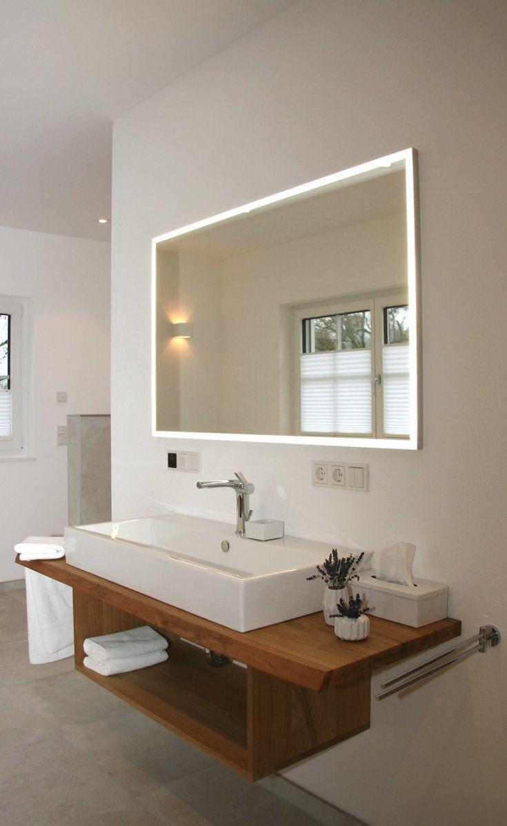 Offener Waschtisch Aus Eiche Mit Beleuchtetem Spiegel Bad Einrichten Waschtisch Beleuchteter Spiegel