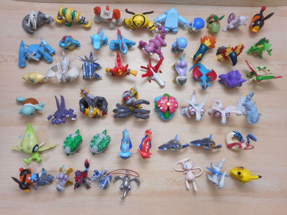 pokemon figure lot of 52 tomy monster collection shiny gyarados