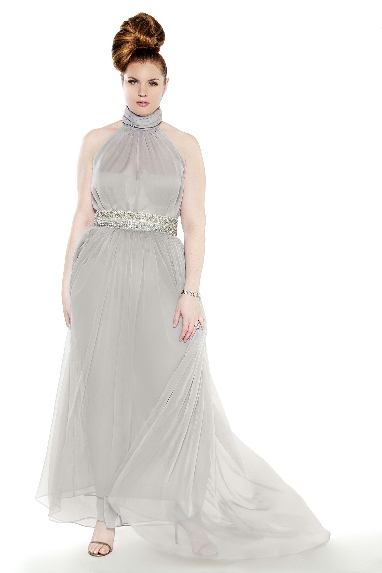 This is such a beautiful wedding dress. This is for the girl whose been around the block.....lol