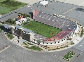 Sam Boyd Stadium In Las Vegas Nevada Can T Even Tell You How Many Unlv Games Concerts I Ve Seen Here Stadium Football Stadiums Vegas