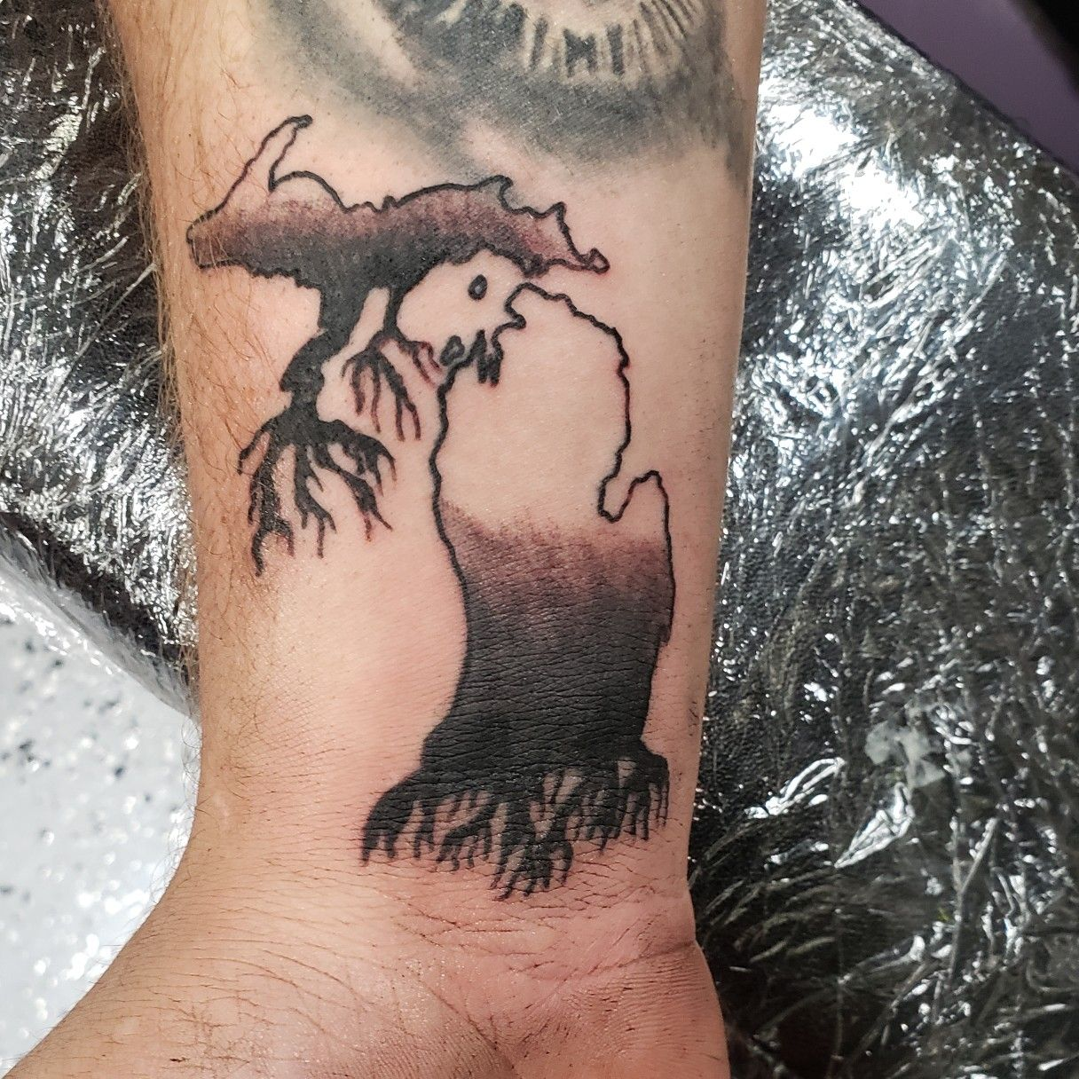 His Roots Are Here In Michigan Like And Follow Me Tattooedbyjesse Fb Ig Sc Pinterest Tumblr Twitter Tatt Loyalty Tattoo Leaf Tattoos Maple Leaf Tattoo