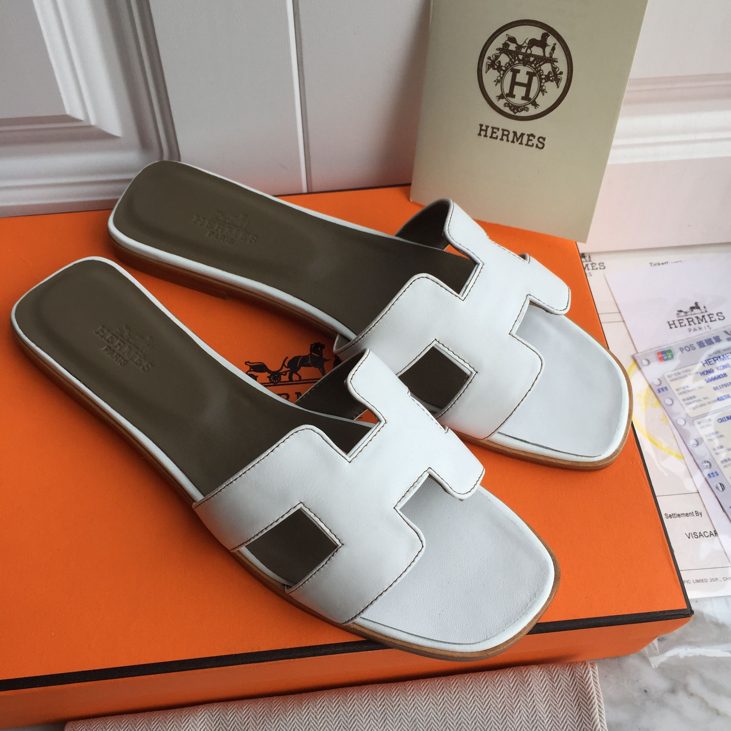 8b836077222 Hermes woman leather slippers sandals white color