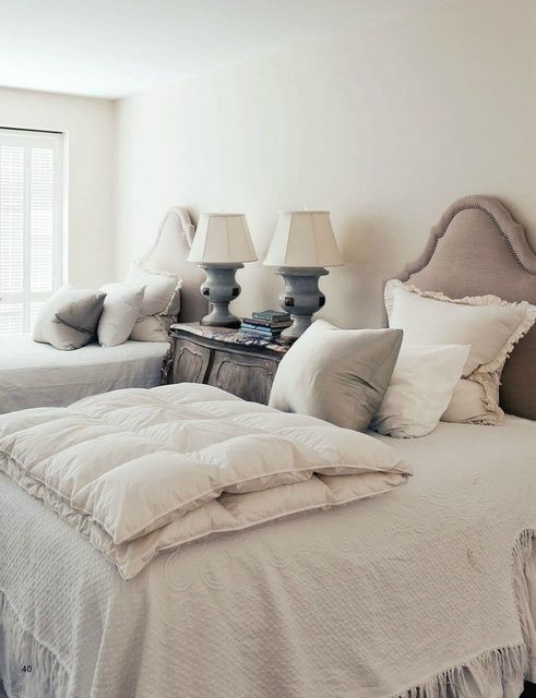 twin neutral beds guest room or colors for master be our guest rh pinterest com